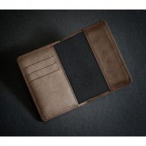Prestbury passport wallet